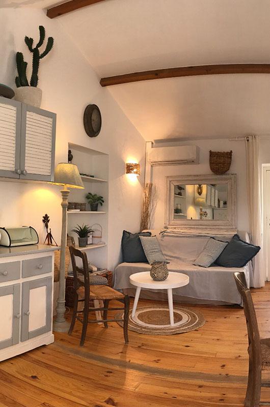 Ancienne maison de pêcheur, totalement rénovée, charmante et atypique avec terrasse