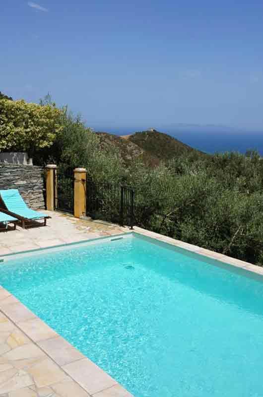 Très belle maison tout en pierre avec piscine, terrasse, jardin, vue panoramique sur mer et maquis