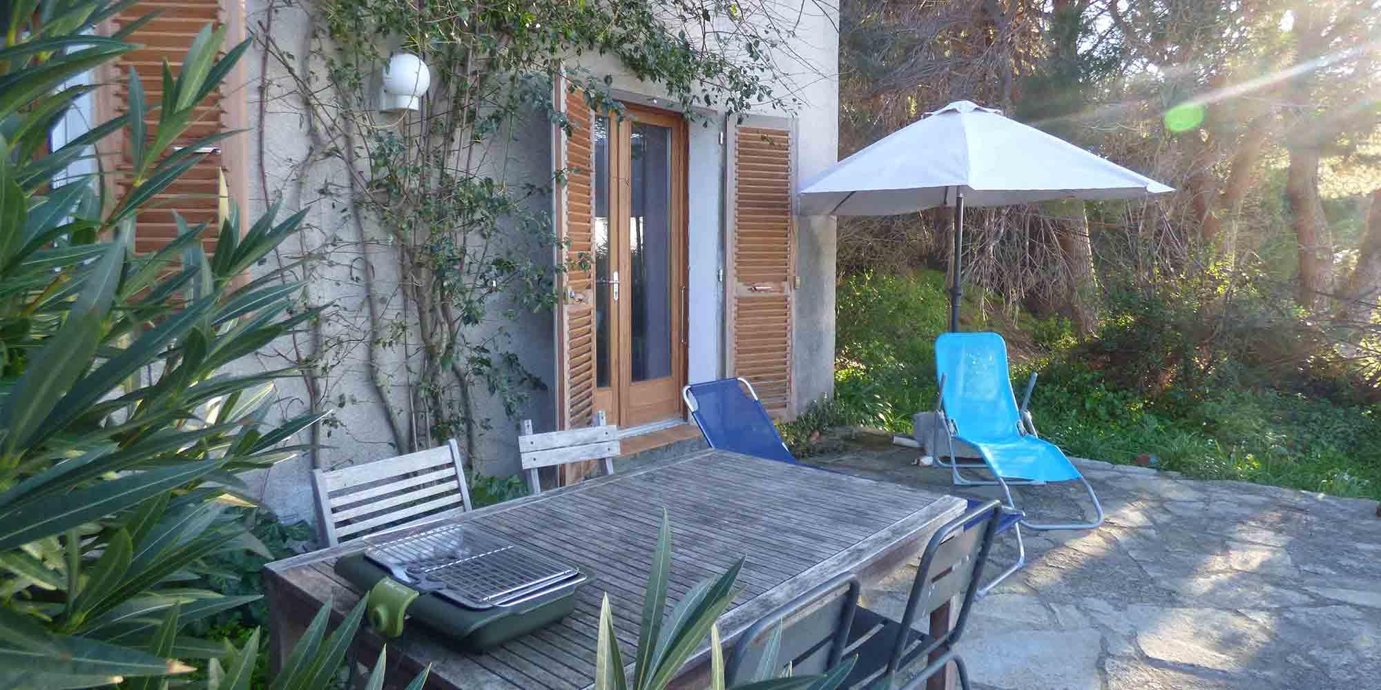 Giardino Di Una Casa affitto di vacanze in pino (capo corso - corsica) : sopra la