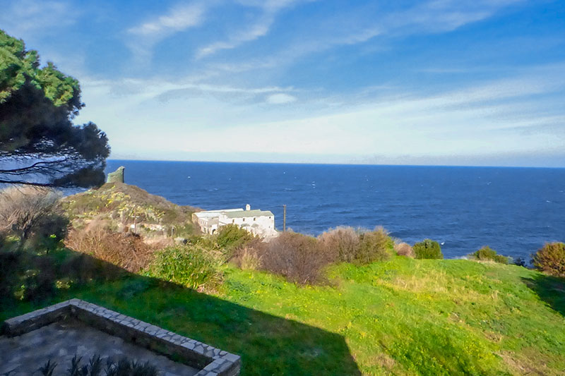 Near the sea, apartment T4 on the 1st floor of a house with sea view and garden par Locations Cap Corse