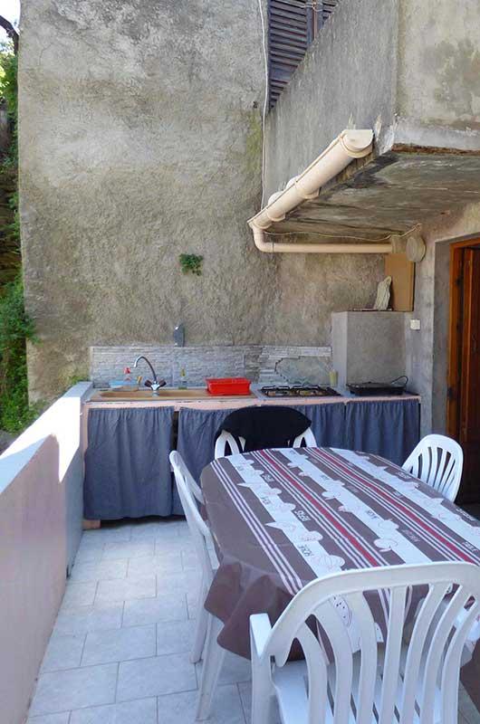Maison de village au calme avec terrasse et cuisine d'été dans hameau typique du Cap Corse