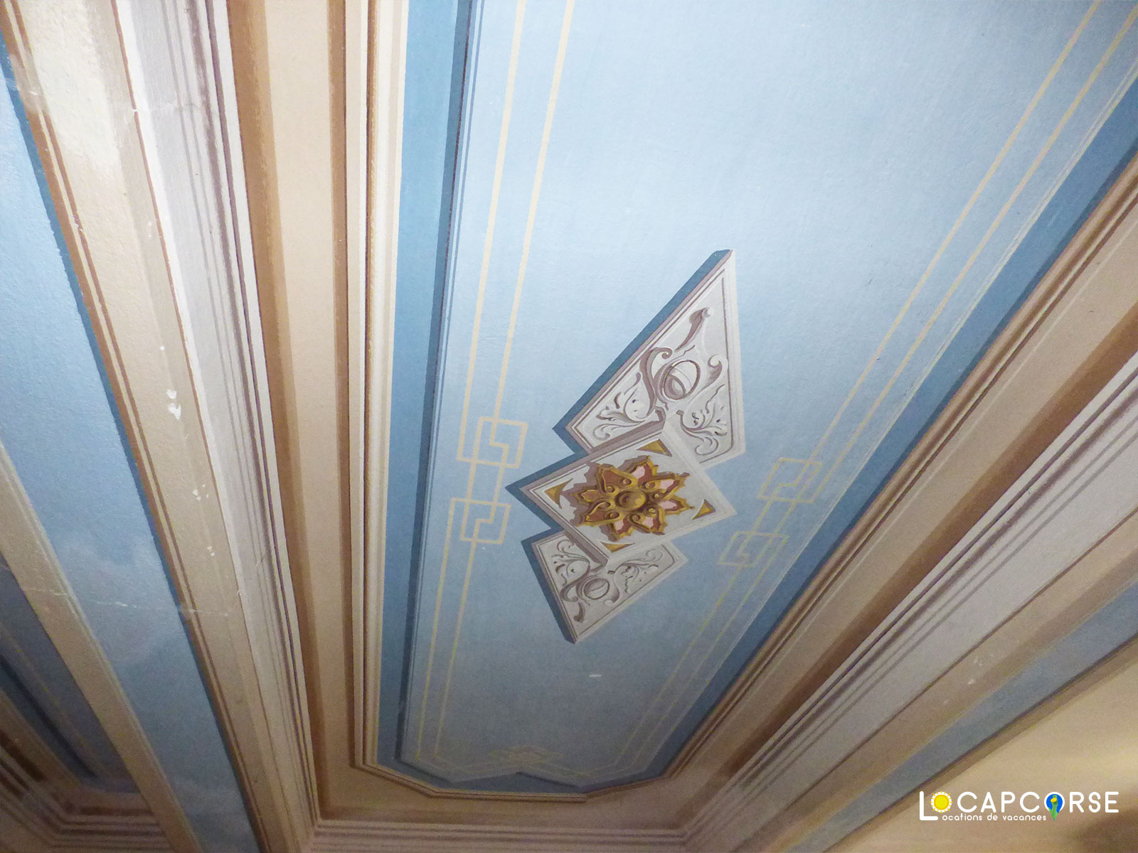 Locations Cap Corse - The painted ceiling of the office
