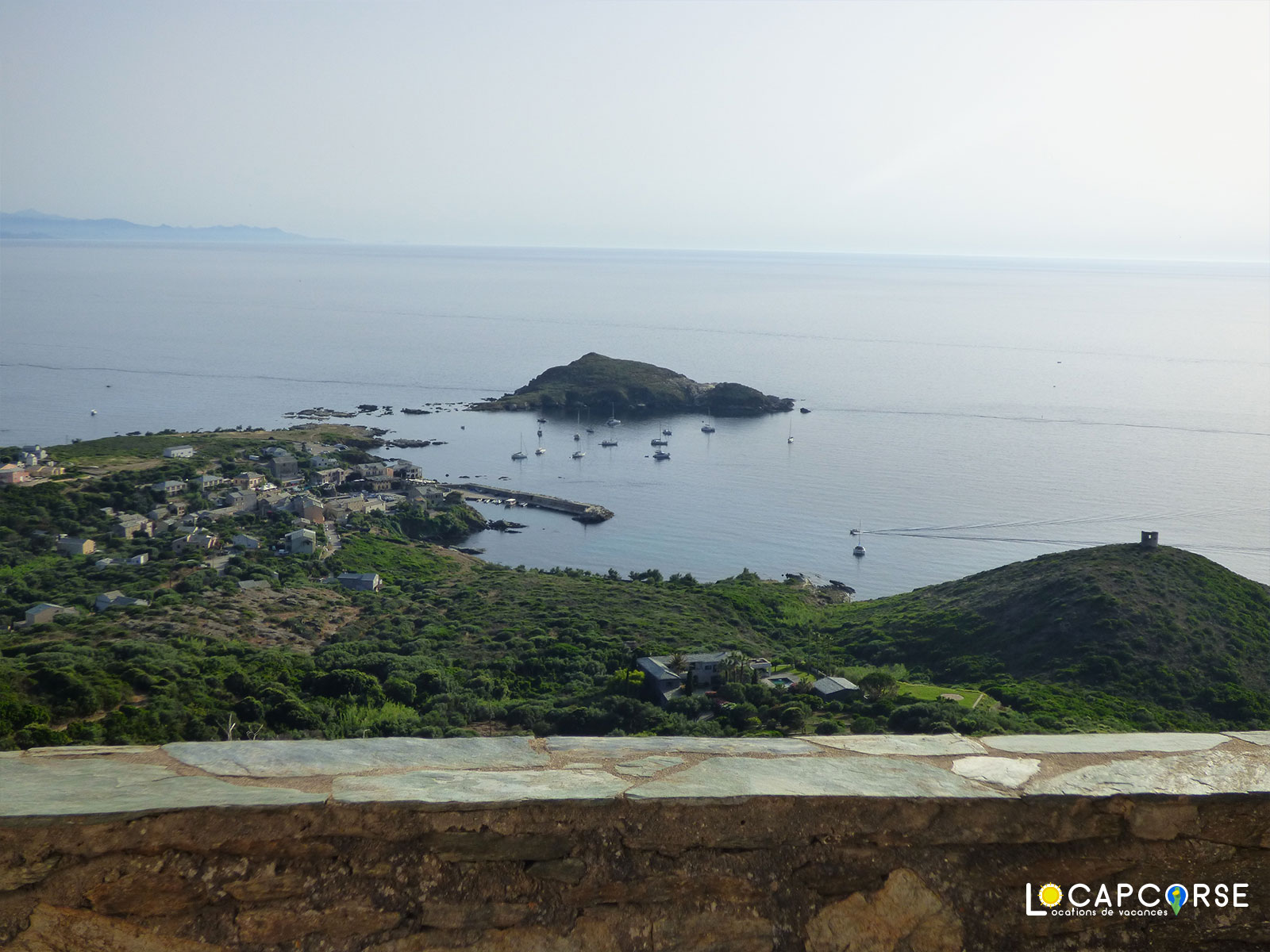 Locations Cap Corse - The view of the port of Centuri and its beautiful bay