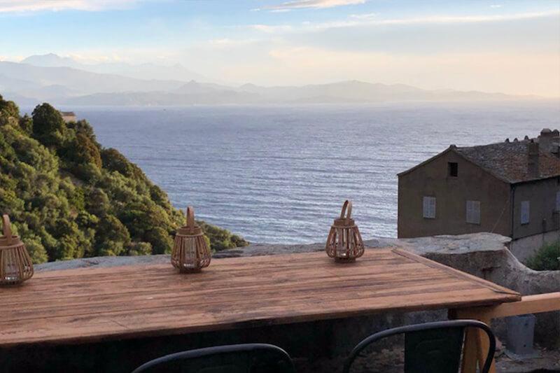 A Nonza, comodo e spazioso appartamento con terrazza panoramica e vista mare
