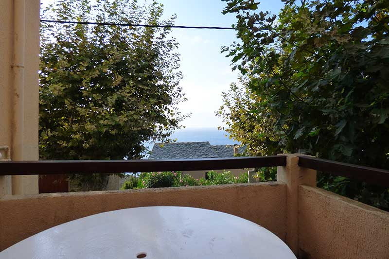 Charming Corsican apartment with 2 bedrooms, terrace and sea views in Marinca