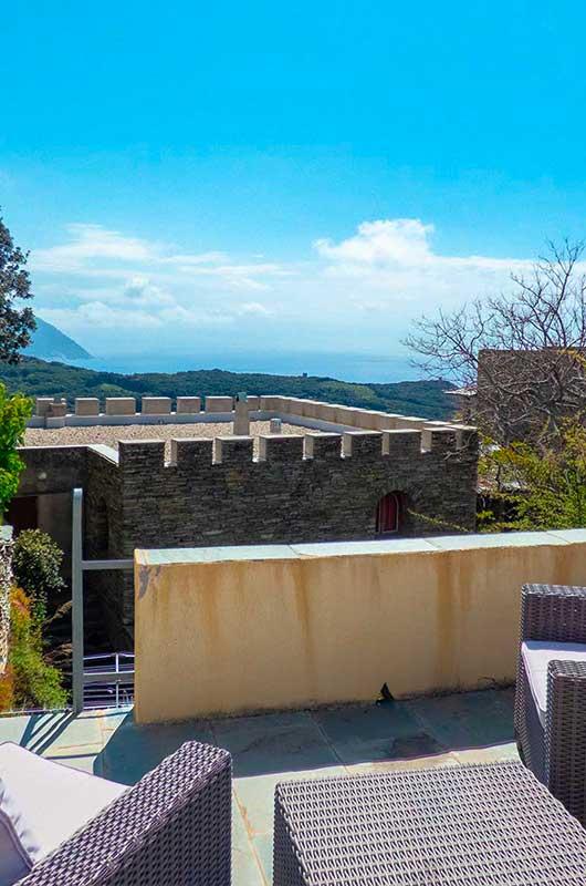Au cœur d'un hameau typique du Cap Corse, maison rénovée, charmante et confortable, au calme