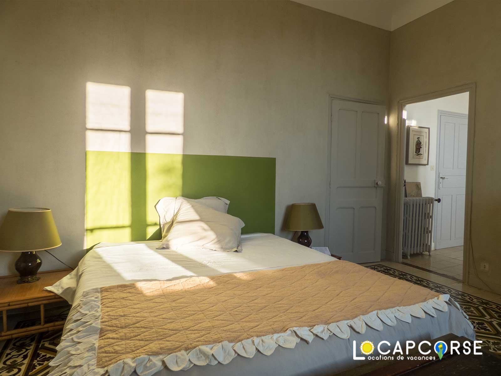 Locations Cap Corse -  bright bedroom - on the right, access to the bathroom