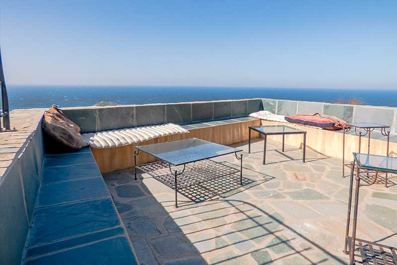 On the heights of Centuri, spacious and comfortable house with sea view!
