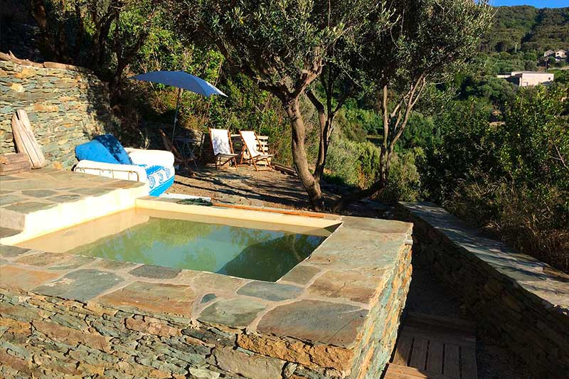 Property of 3 houses with sea view, garden, terraces and pool par Locations Cap Corse