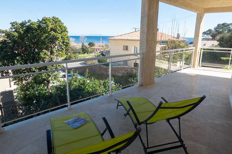 Very comfortable apartment, terrace, sea view, garage, 200 meters from the Sisco Marine