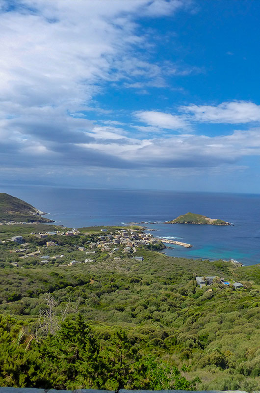 Large exceptional family home with panoramic views of Centuri and the sea par Locations Cap Corse