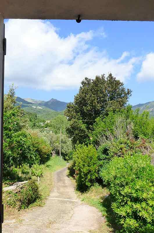 Maison très agréable, au calme, avec terrasse et jardin