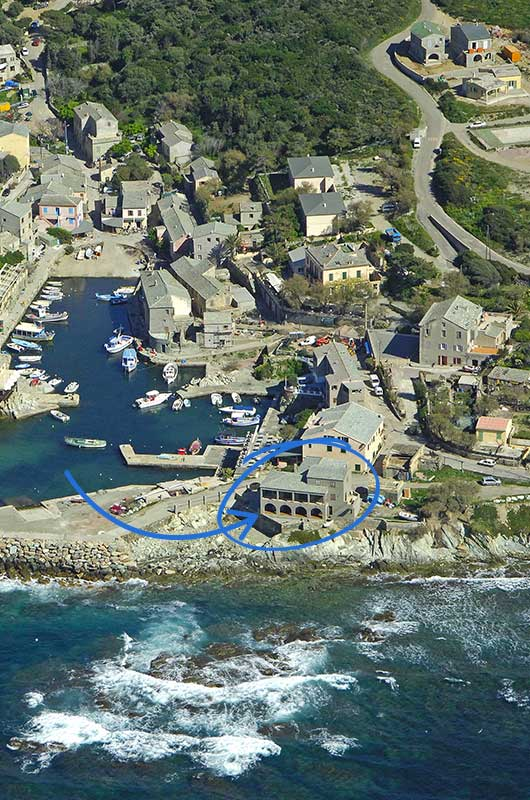 At the port of Centuri, feet in the water, family house with large terrace & direct access to the sea