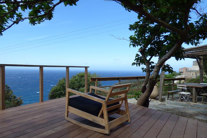 A Morsiglia, bella casa di carattere con terrazzi e vista panoramica sul mare