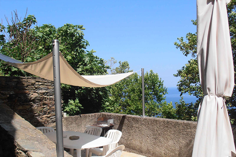 House, in the heart of the village, 2 bedrooms, with sea view terrace