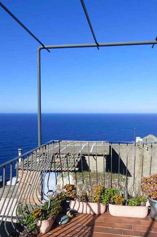 Maison de village pour 4 personnes avec terrasse et vue panoramique sur la mer