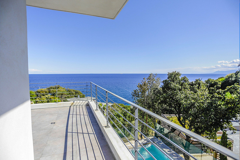 Magnificent villa, air-conditioned, with heated pool and sea views par Locations Cap Corse