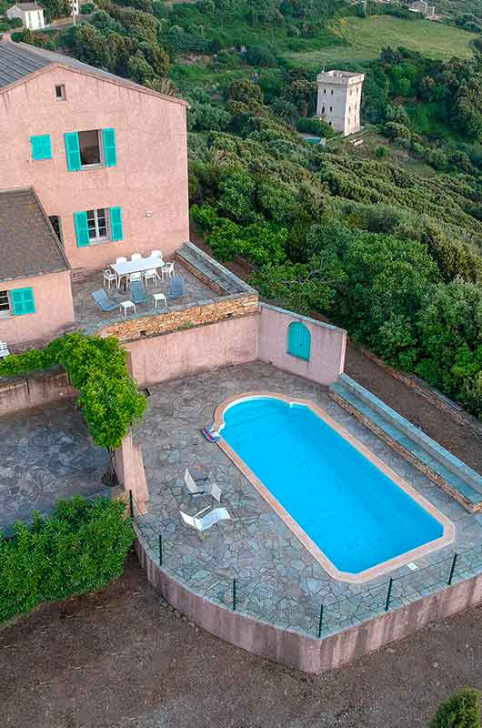 Large family house, with pool, park, beautiful panoramic view of the sea and the west coast of Cap Corse par Locations Cap Corse