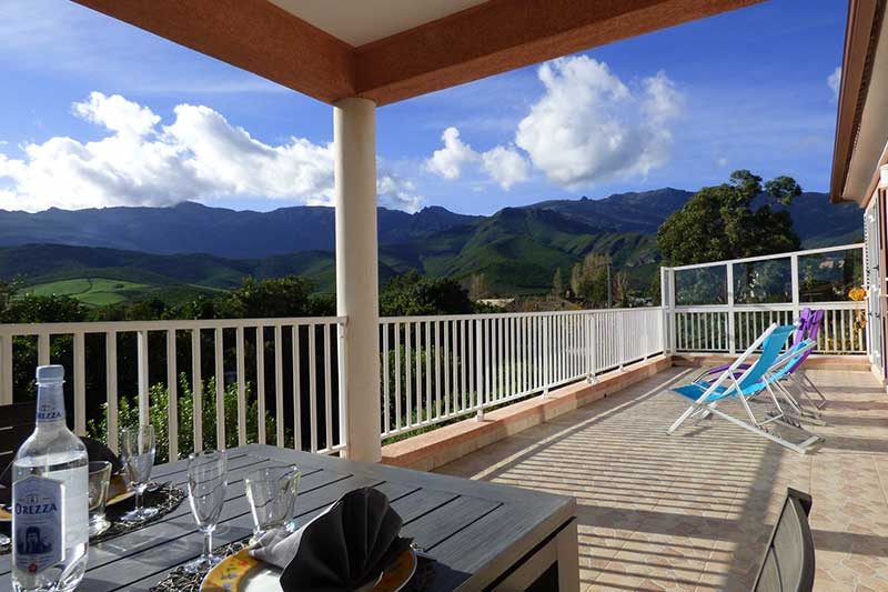 Air-conditioned villa with large terrace and panoramic views of the maquis and the sea