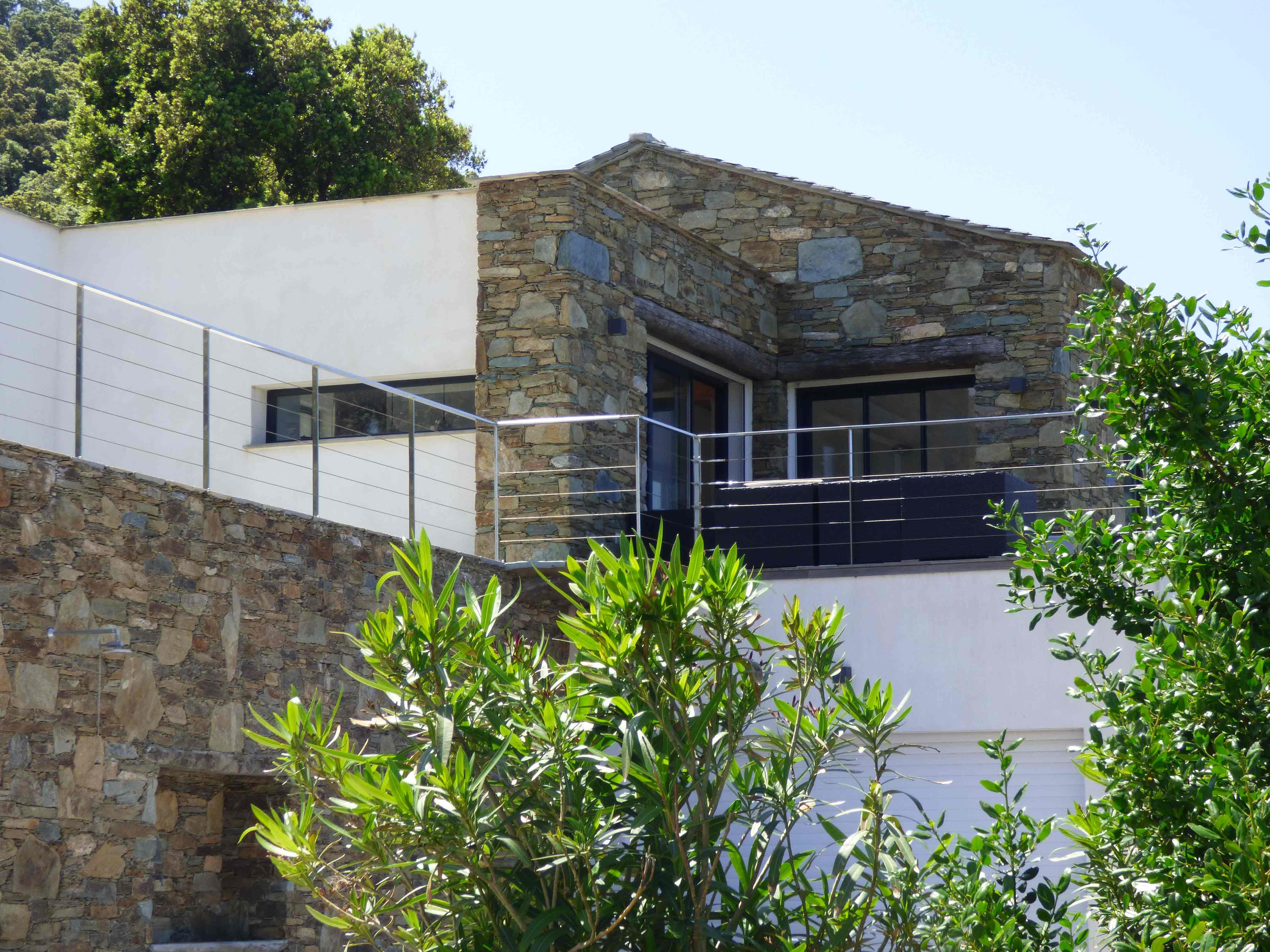 locations de vacances avec piscine spa pino dans le cap corse villa d 39 architecte avec. Black Bedroom Furniture Sets. Home Design Ideas